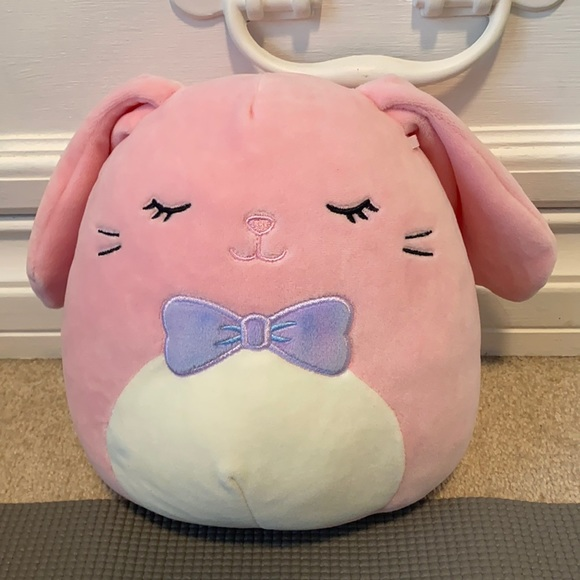 """NWT Bop the Bunny Squishmallow 8"""""""